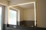 Spiege mit integrierter LED-Beleuchtung